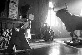 Still from Blancanieves (2012)